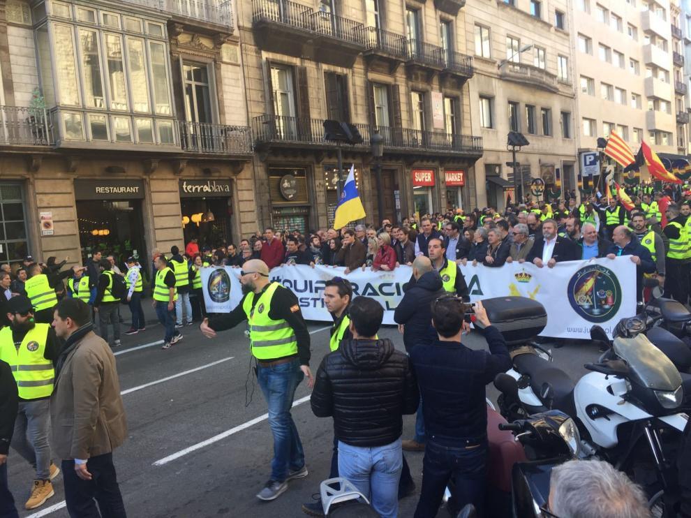 Participación de policías y guardias civiles aragoneses en la manifestación de Barcelona