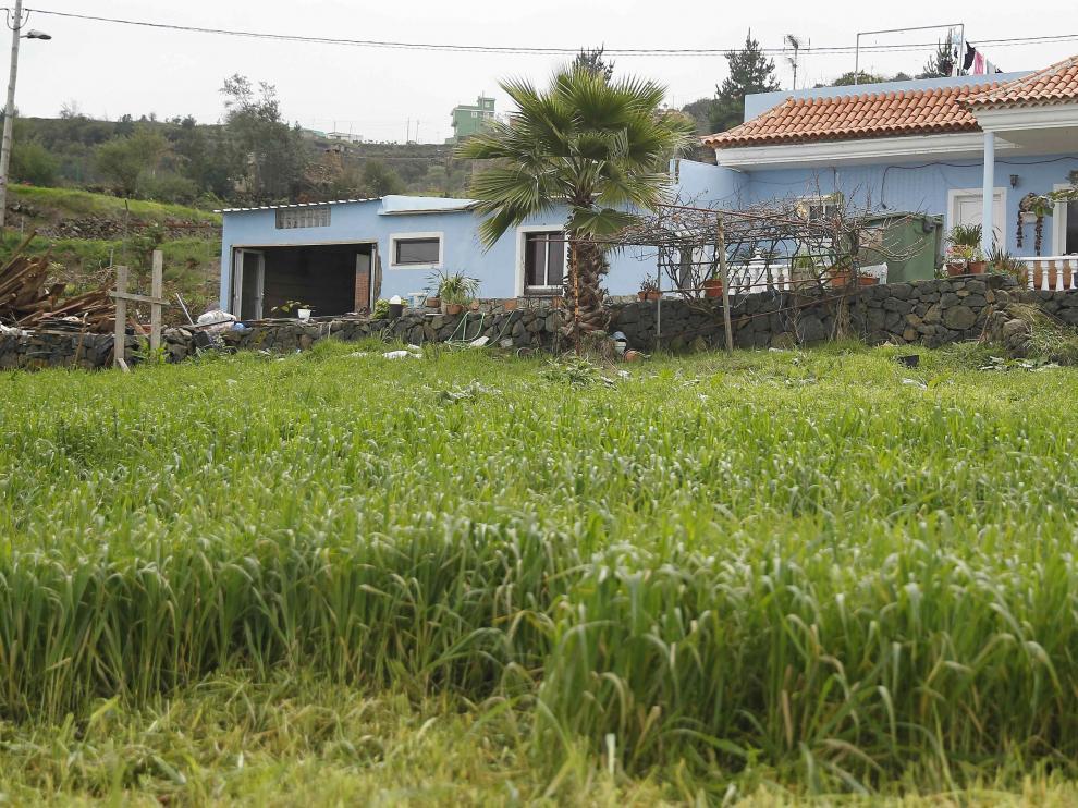 Exterior de la vivienda de Los Realejos (Tenerife) donde fue hallada muerta