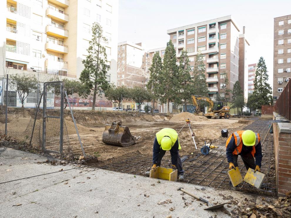 Los trabajos para acondicionar el terreno de la calle de Celanova comenzaron hace pocos días.