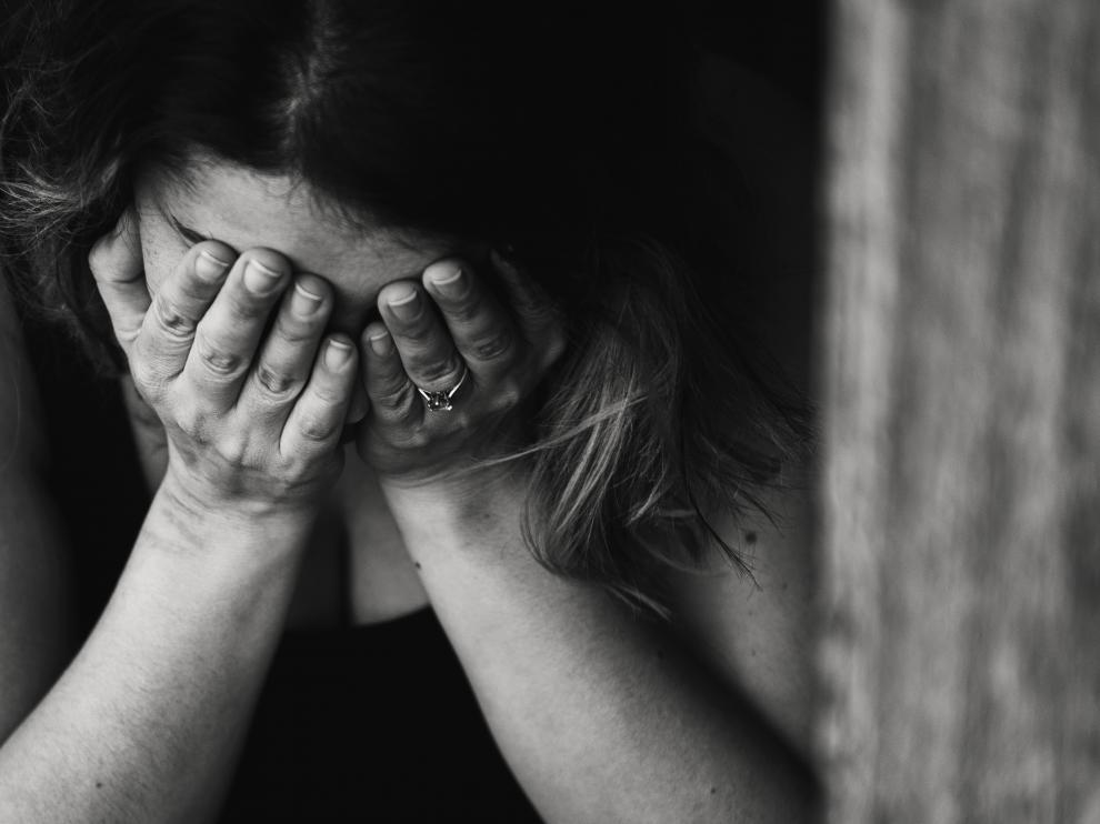 La ansiedad es el estado de alerta que se produce ante el temor de que algo malo suceda y puede provocar serias consecuencias a quienes la padecen.