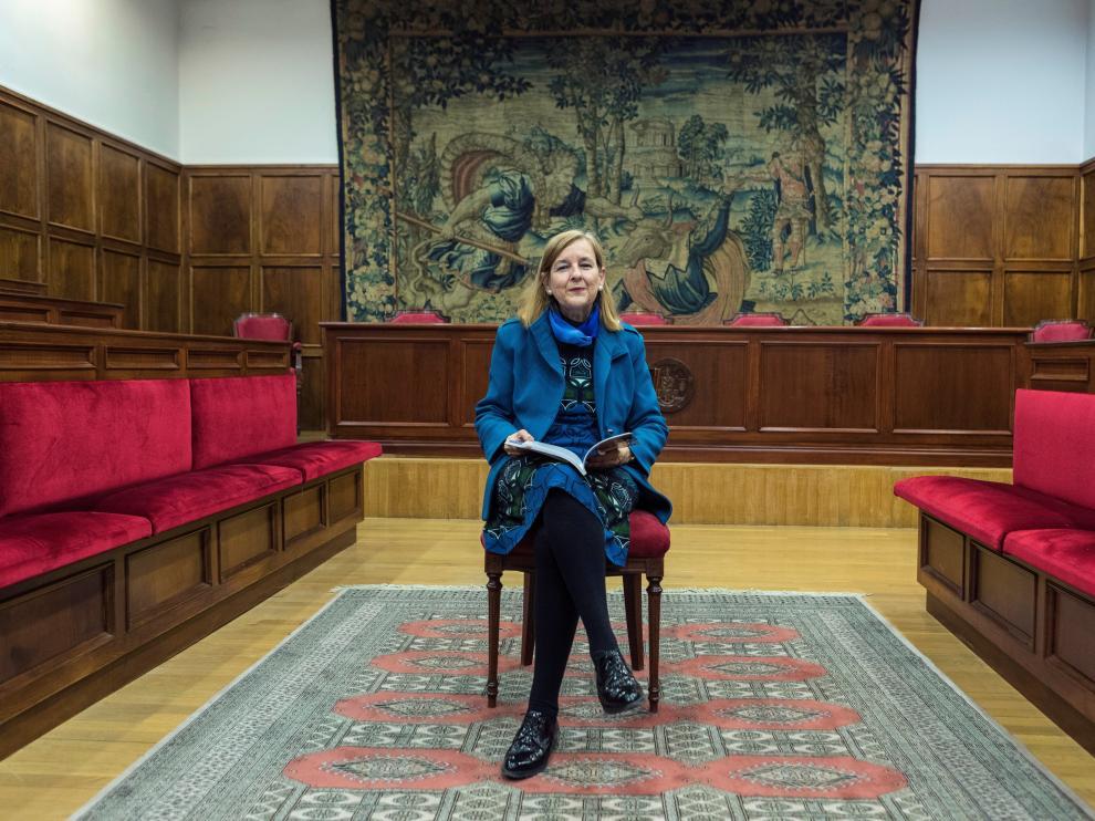 La catedrática María Elósegui en el salón de grados de la facultad de Derecho de la Universidad de Zaragoza.
