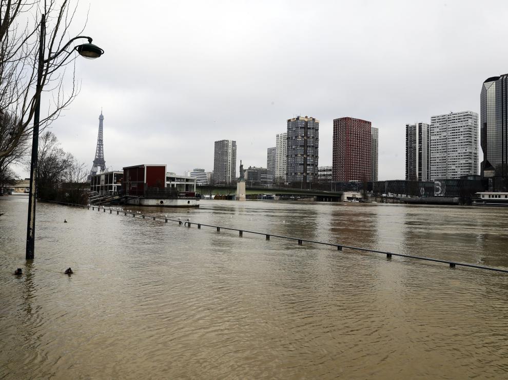 El Sena se ha desbordado estos pasados días a su paso por París