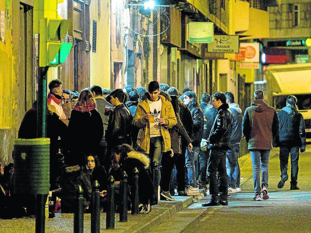 La calle del Maestro Marquina, una madrugada del sábado.