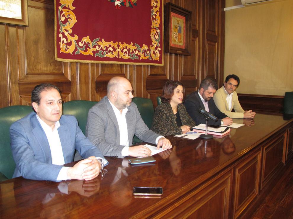 Presentación de los actos de entrega de las medallas de Los Amantes en el Ayuntamiento.