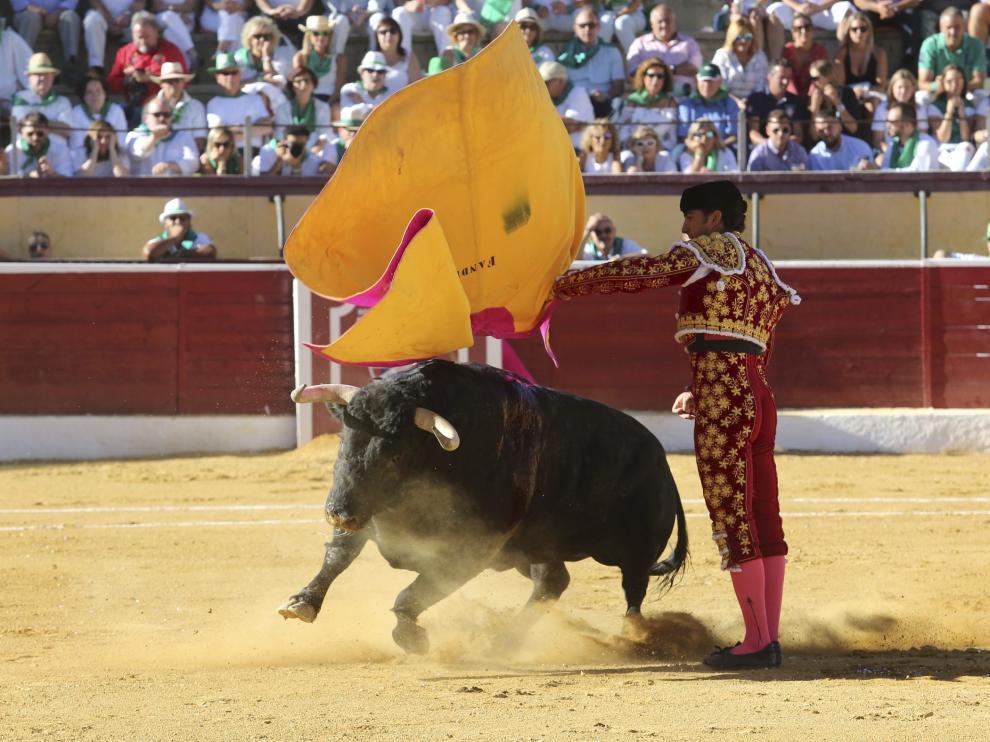 Una de las faenas de la corrida del pasado 10 de agosto en la plaza de toros de Huesca.