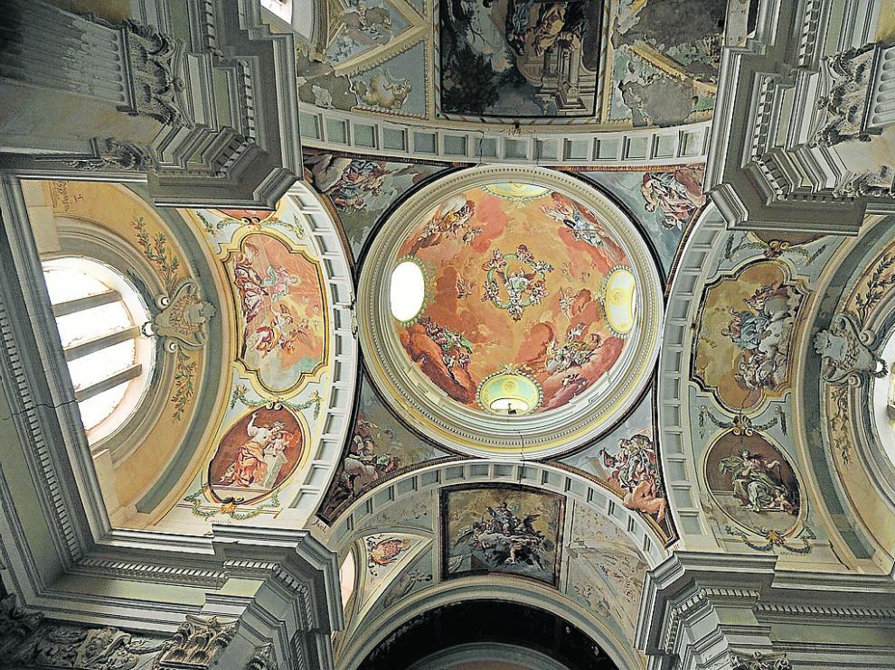 Interior de las pinturas murales de fray Manuel Bayeu en la Cartuja de Nuestra Señora de las Fuentes.