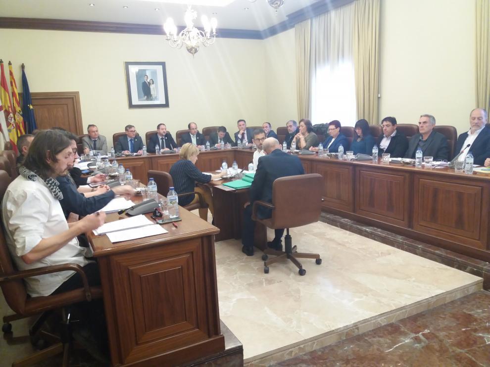 El caso de Igor el Ruso protagonizó el debate más tenso en el pleno de la Diputación Provincial de Teruel.