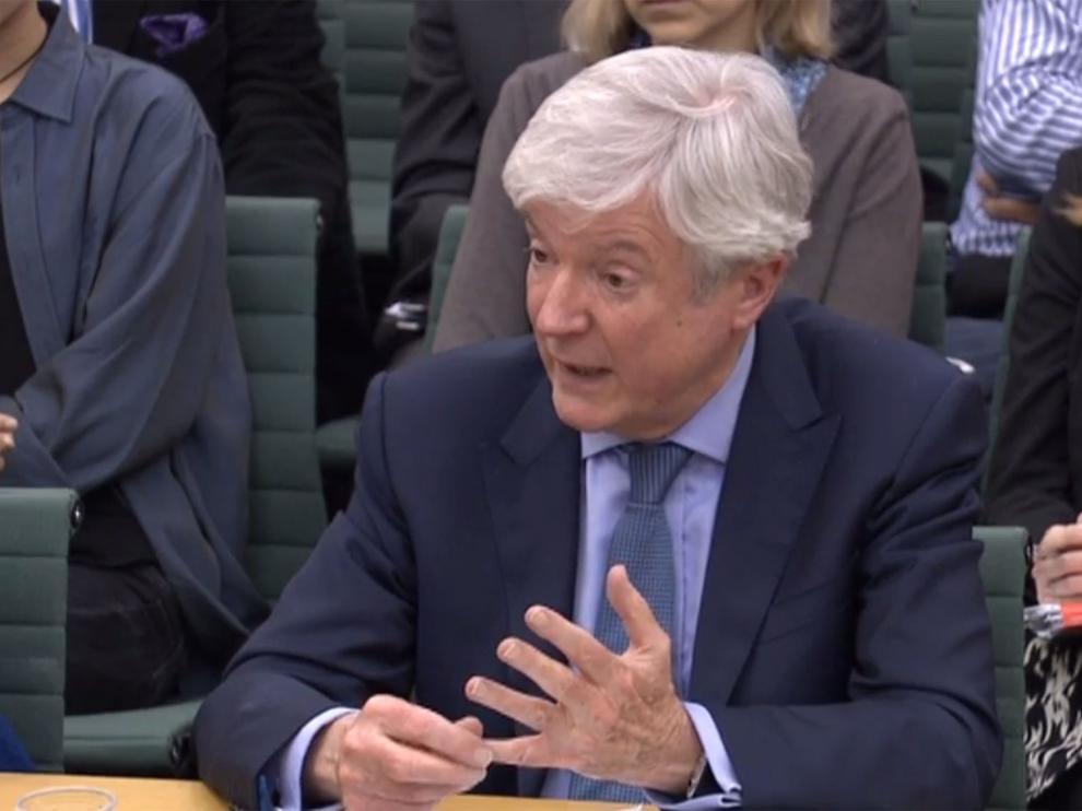 Tony Hall, director de la BBC durante su comparecencia en el Parlamento británico.