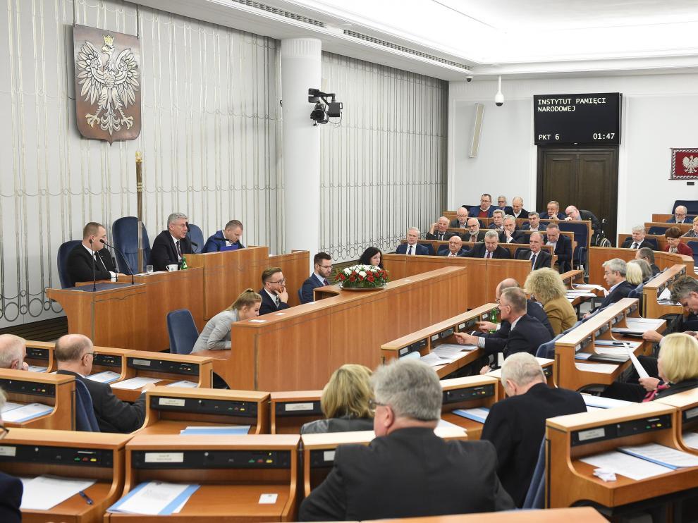 Polonia aprueba la ley del Holocausto, pese a las críticas de Israel y EE.UU.
