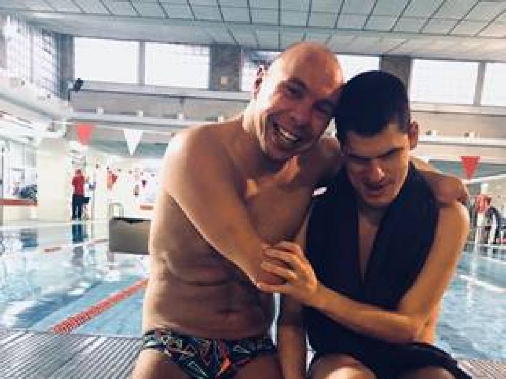Taller motivacional con el nadador paralímpico Xavi Torres en el Stadium Venecia.