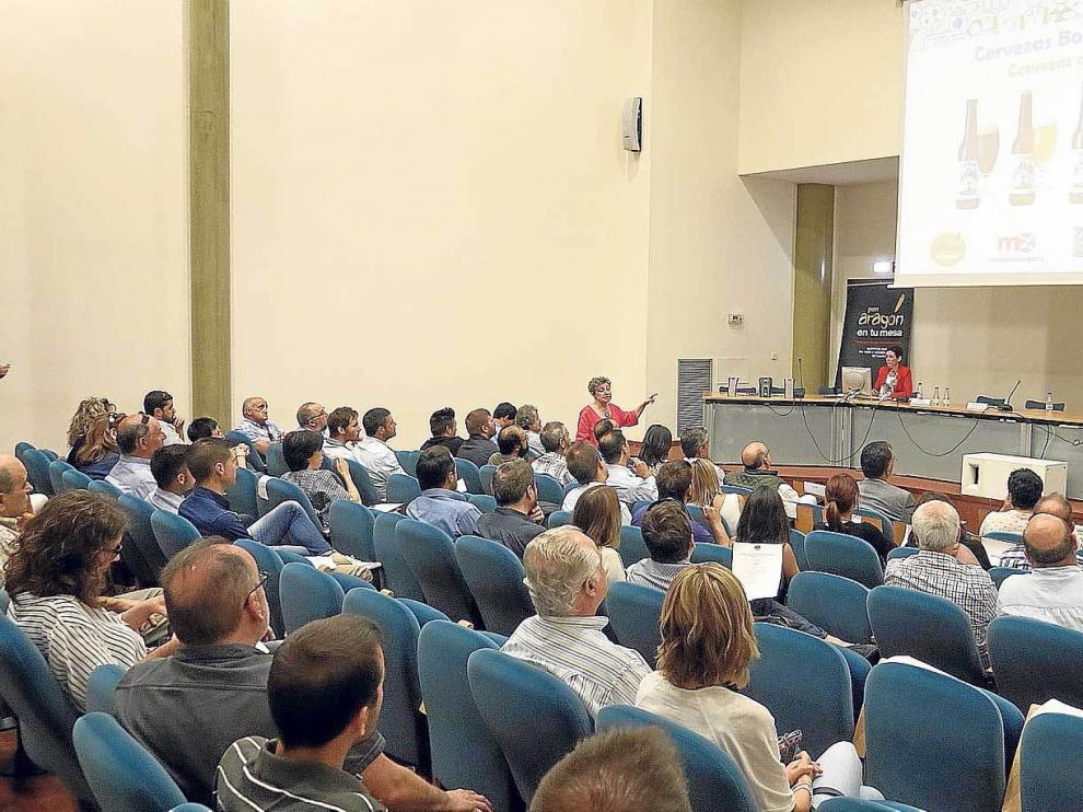 Jornada de trabajo organizada por 'Pon Aragón en tu mesa', en Mercazaragoza.