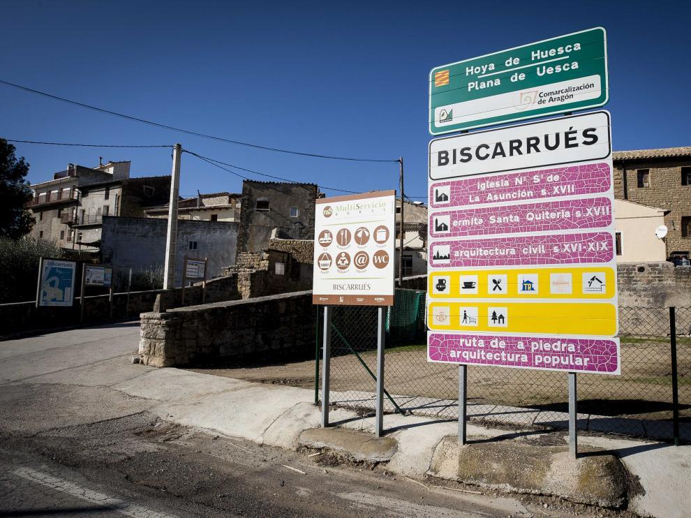 Entrada a Biscarrués.