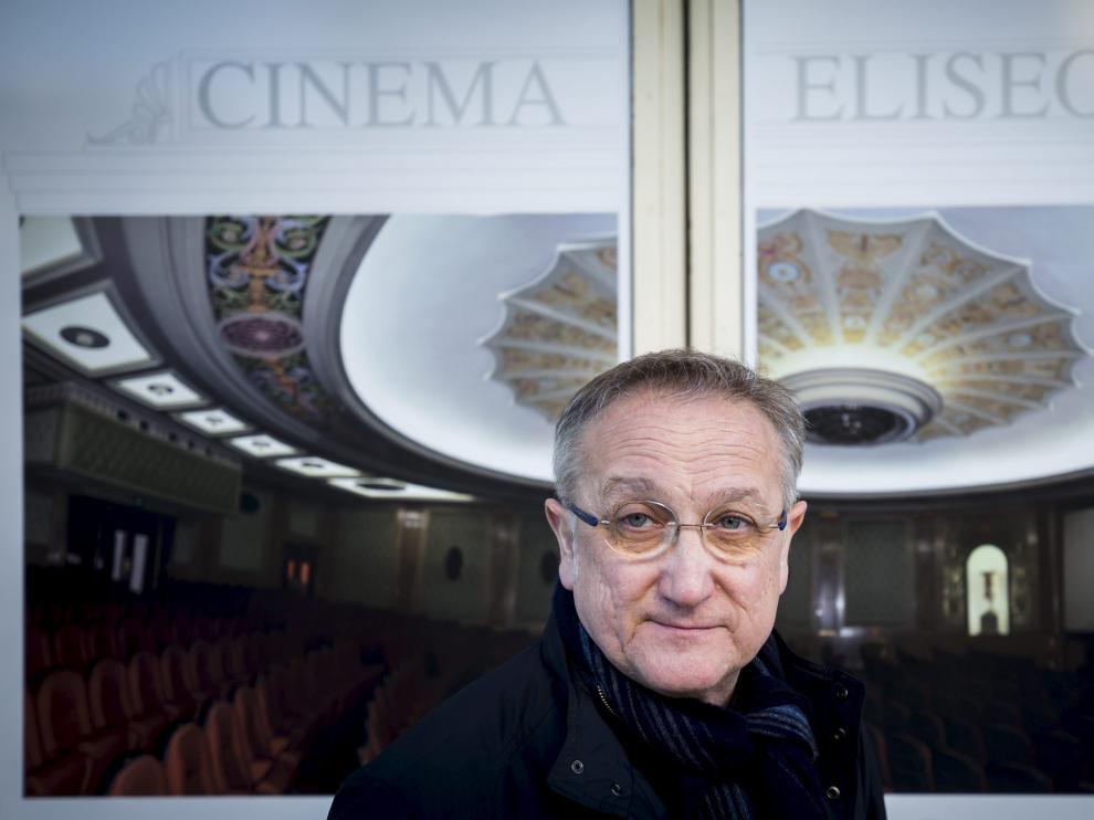 José Ignacio de Diego es un gran lector de poesía y alterna su pasión por el cine con la literatura.