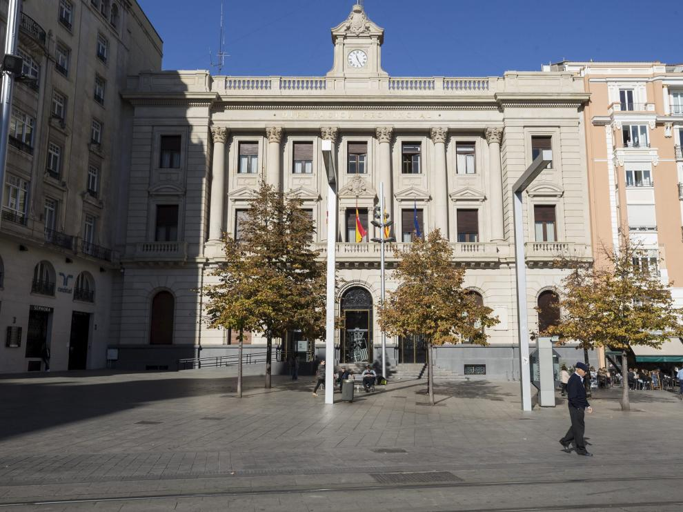 Fachada principal de la DPZ en Zaragoza.