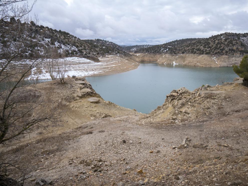 Las últimas nevadas no han mejorado el nivel del pantano del Arquillo.