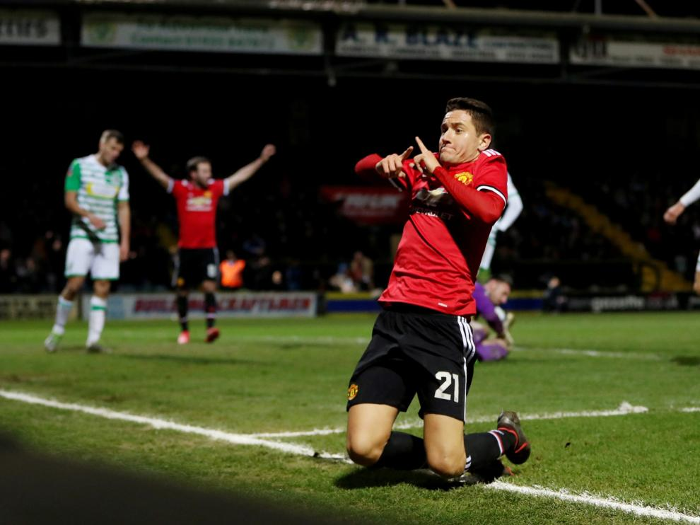 Ander Herrera, celebra un gol.