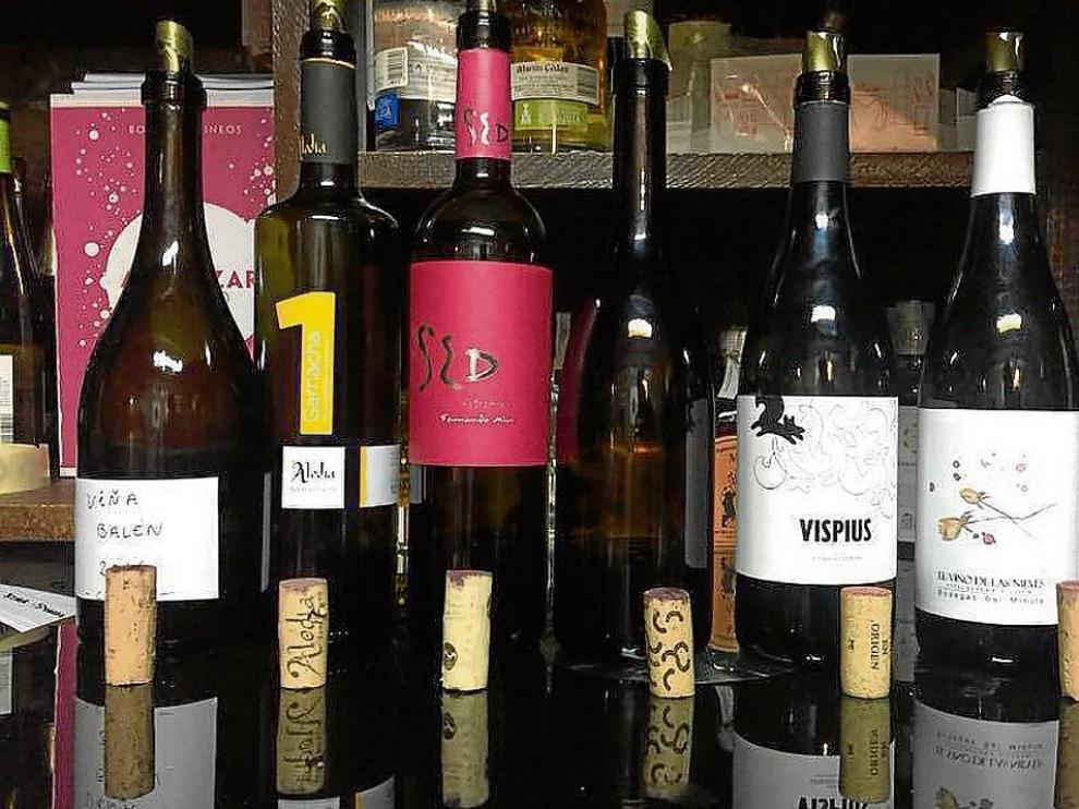 Cata de varios vinos incluidos en el proyecto de los Vignerons altoaragoneses.