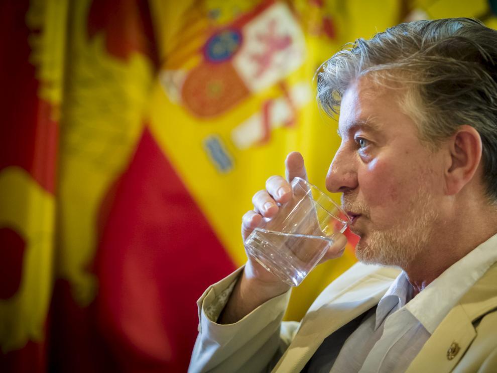 """Pedro Santisteve ha señalado que la capital aragonesa cuenta con un agua de """"estupenda calidad"""" procedente """"en su mayoría del Pirineo""""."""
