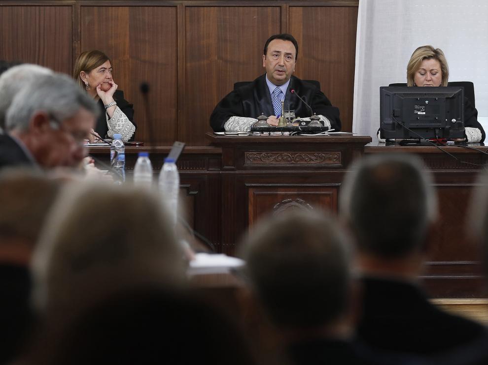 La sala de la Audiencia en Sevilla, momentos antes de que se suspendiera el juicio