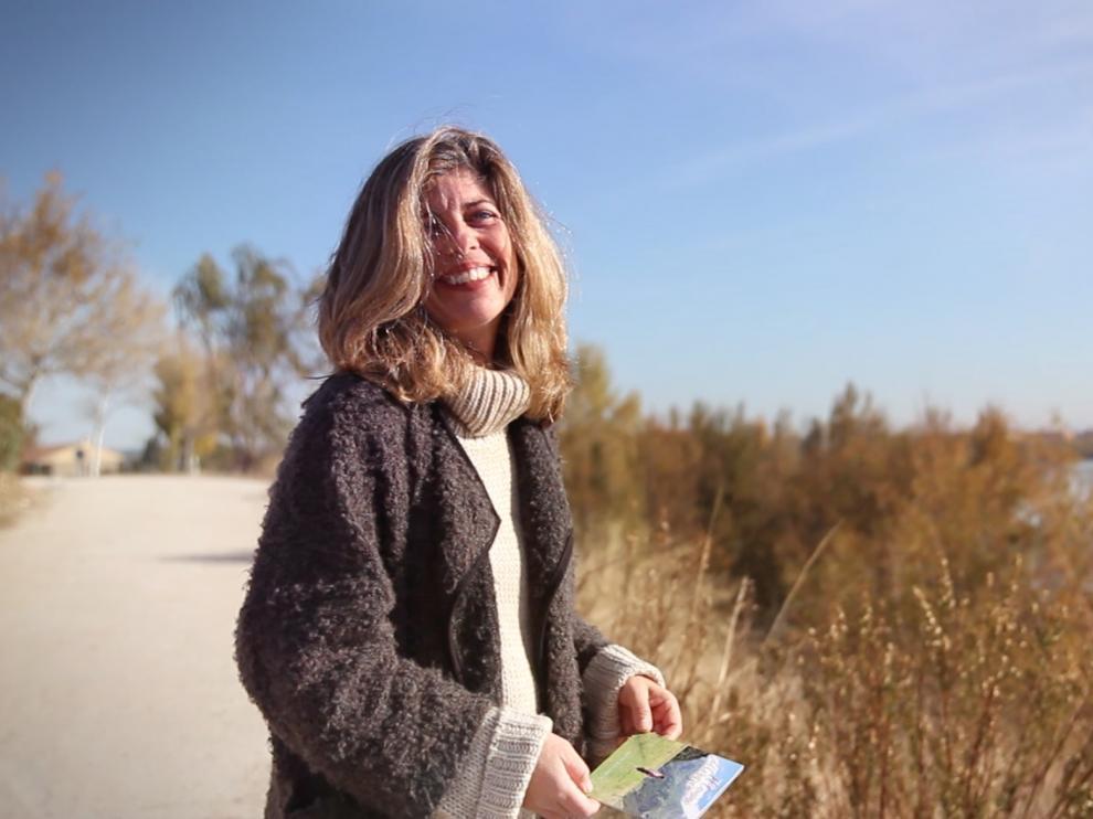 Ana Bolea, con un ejemplar del disco que acaba de publicar, 'El camino del corazón'.