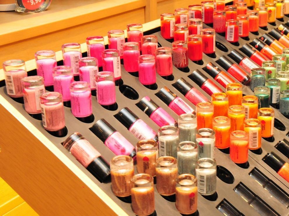 Muchos ingredientes empleados en cosmética se utilizan en la industria farmacéutica, alimentaria o en detergentes.