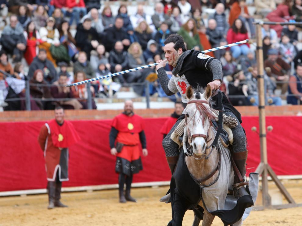 Un participante en el 'Torneo del rey', en Las Bodas de Isabel. Las justas entre caballeros son una de las actividades que suelen verse en una recreación.