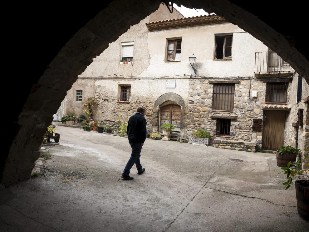 En el casco urbano de Añón de Moncayo podemos encontrar buenos ejemplos de casas nobles de estilo aragonés.