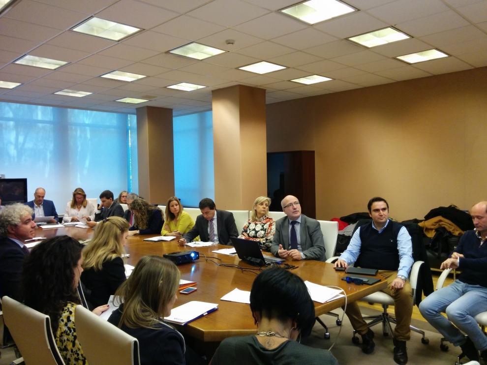 Reunión del grupo 'Talento digital' del clúster IDiA, en una sede de Ibercaja en noviembre pasado.
