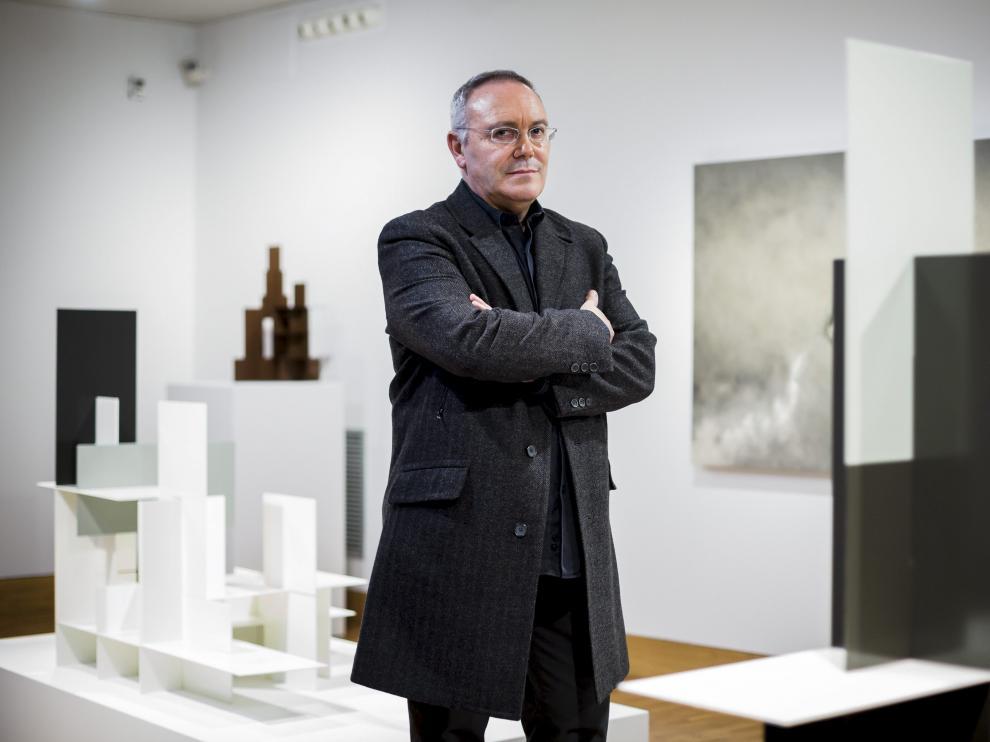 Koldo Sebastián expone 'Calignometrías' en el museo Pablo Gargallo. El viernes y el sábado ofrecerá visitas guiadas y conferencias.