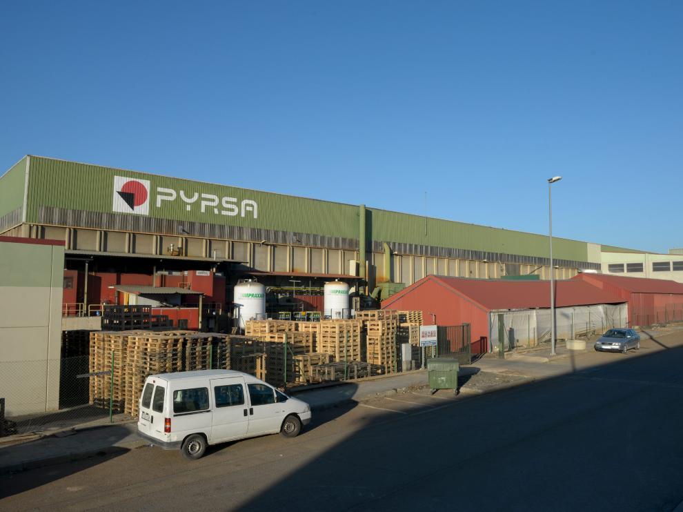 La fábrica de Pyrsa está situada al pie de la carretera N-234.