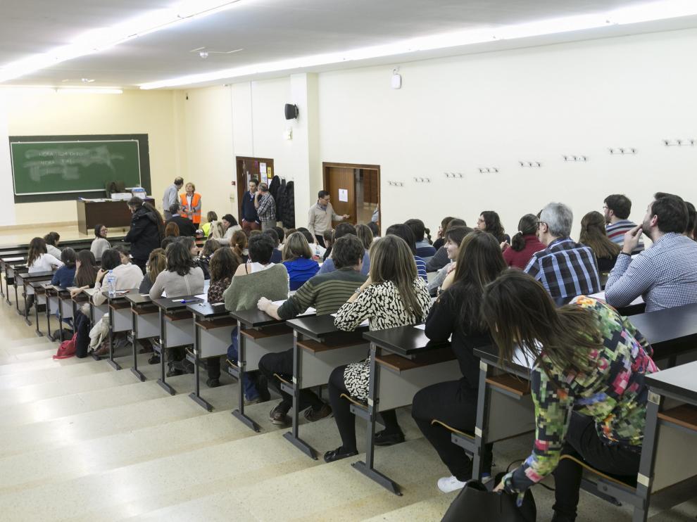 Un domingo de oposiciones en Zaragoza