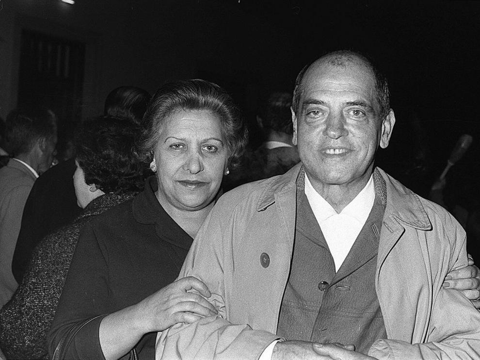 Luis Buñuel, con su hermana Alicia, en Calanda en 1963.