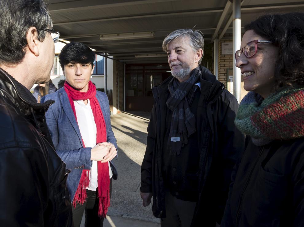 El alcalde Santisteve y Elena Giner, en una reciente visita al colegio Guillermo Fatás de Santa Isabel.