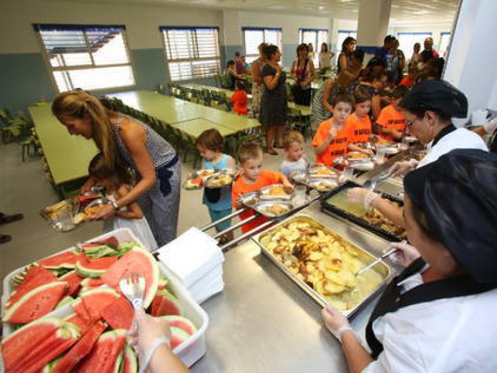 CC.OO. amenaza con huelga en varios comedores escolares en Aragón ...