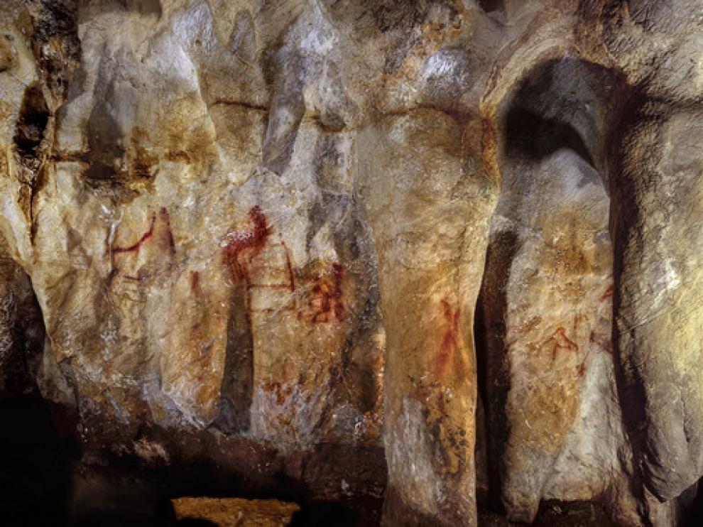 Pinturas en la cueva de La Pasiega hechas por neandertales hace más de 64.000 años