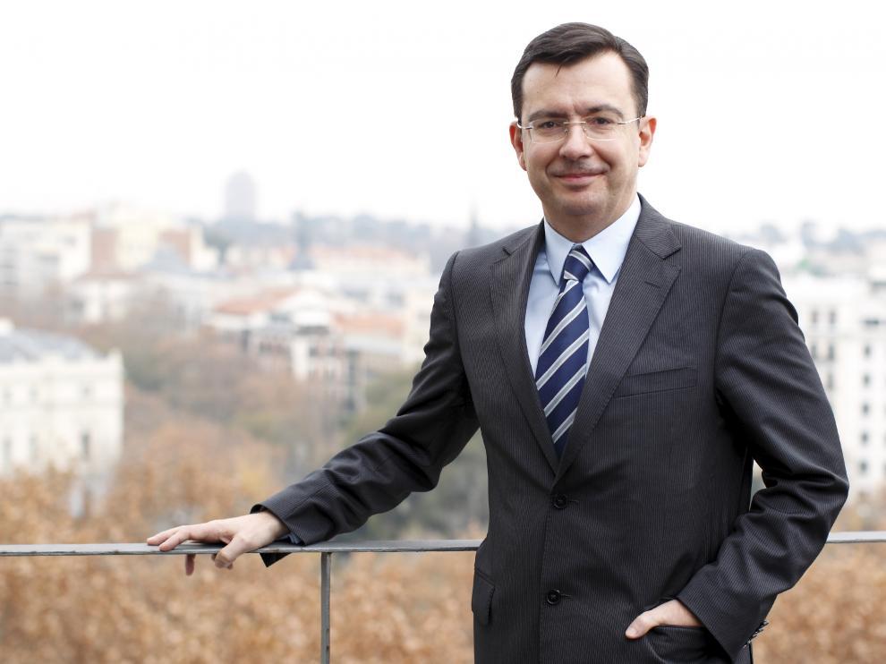 El presidente del Gobierno, Mariano Rajoy, ha propuesto al zaragozano Román Escolano como nuevo ministro de Economía en sustitución de Luis de Guindos.
