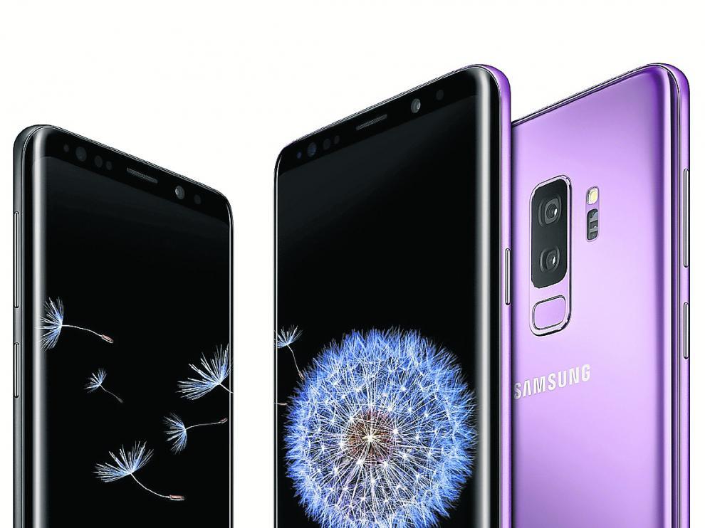 A la izquierda, el S9 de 5,8 pulgadas y a la derecha, el S9+ de 5,8 pulgadas.