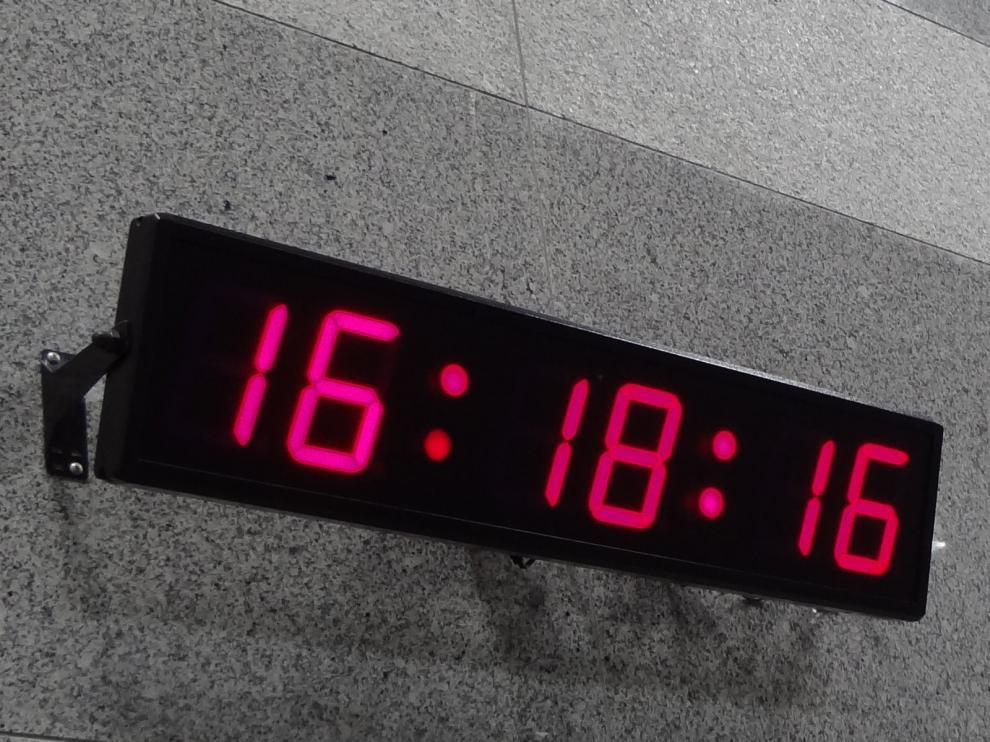Los retrasos en los relojes digitales llegaron a ser de hasta seis minutos.