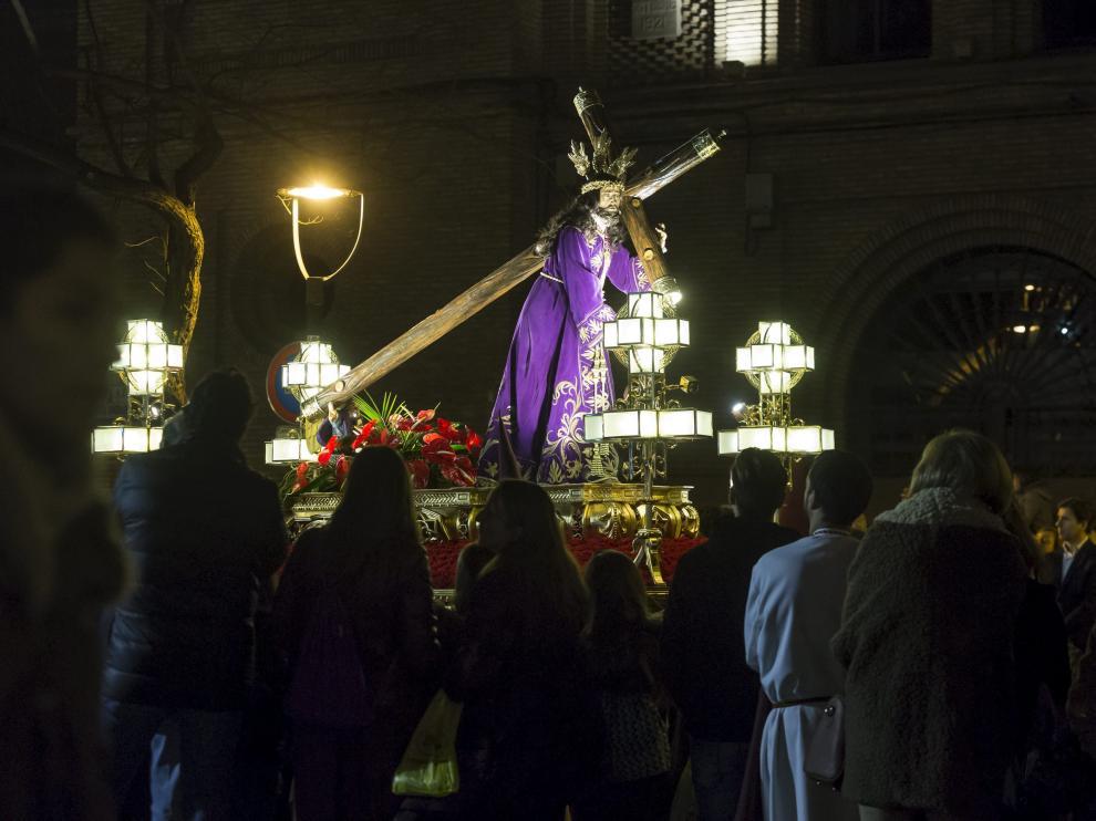 La imagen de Tomás Llovet, en la plaza de Santa Engracia, en una de sus procesiones del año pasado.