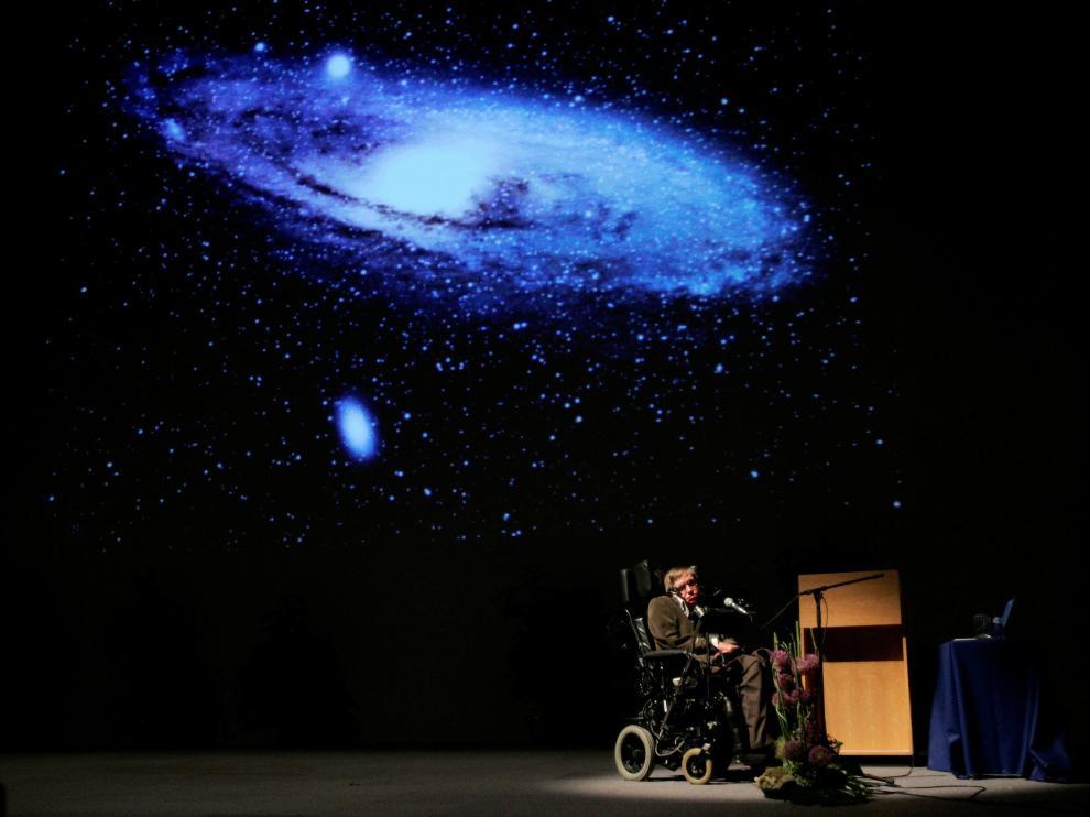 Hawking, durante una conferencia sobre el origen del Universo en Bruselas