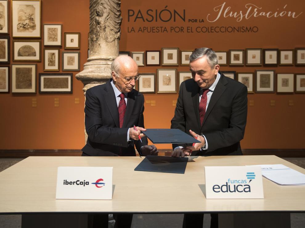 José Luis Aguirre, presidente de Ibercaja y Carlos Ocaña, director general de la Fundación de Cajas de Ahorros (Funcas).