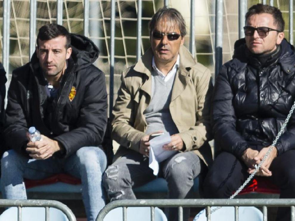 José Mari Barba, Natxo González y Lalo Arantegui, juntos en la Ciudad Deportiva durante un partido del RZD Aragón, el filial del Real Zaragoza.