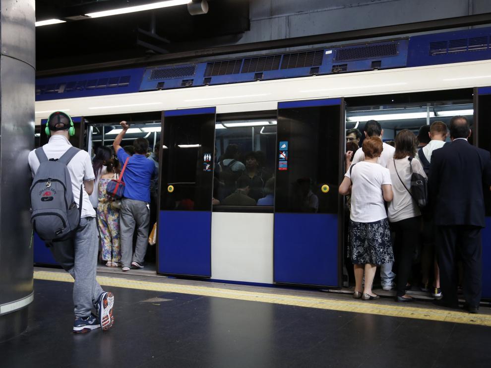La Audiencia de Barcelona ya impuso la prohibición de acceder al metro a dos condenados por delito de hurto.
