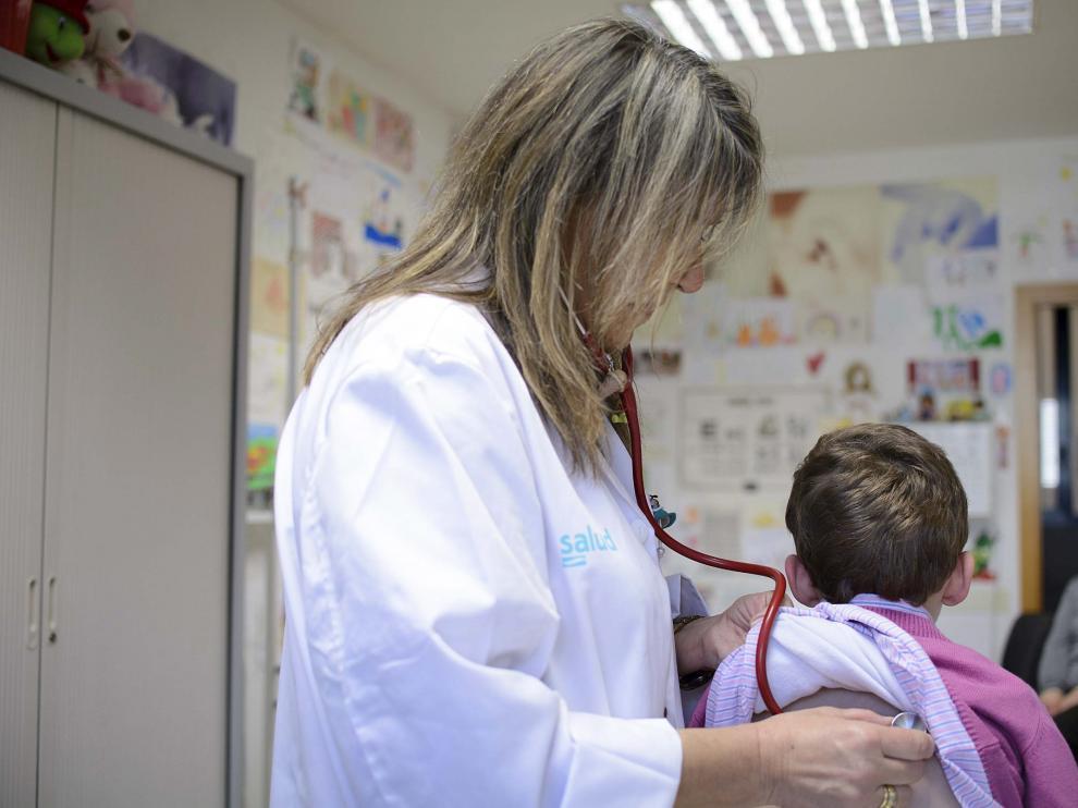 El 14% de las plazas de pediatría en Aragón están cubiertas por médicos de familia.