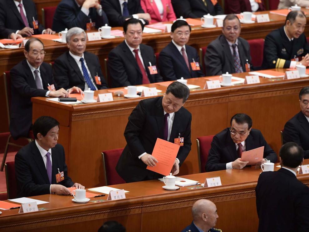 El presidente chino Xi Jinping (en el centro)