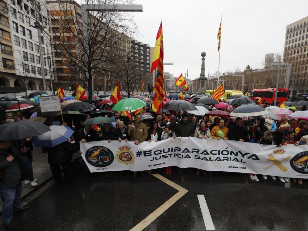 Manifestación de Policía y Guardia Civil por el centro de Zaragoza este sábado por la mañana