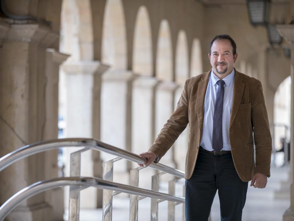 Ramón Millán, a las puertas de la Diputación Provincial.