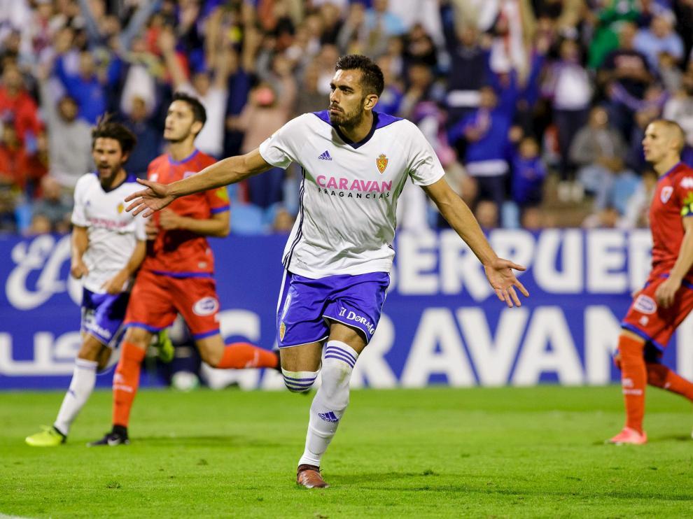 Borja Iglesias celebra un gol.