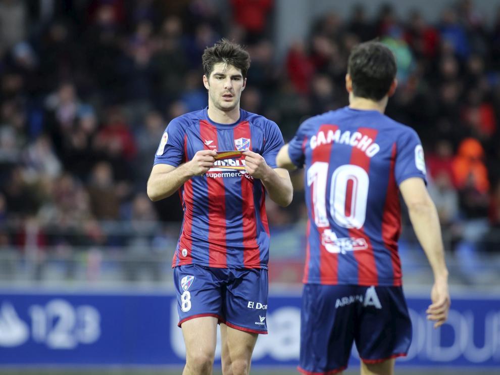 Gonzalo Melero, tras dos partidos de sanción, volverá a portar el brazalete de capitán en sustitución de Camacho.