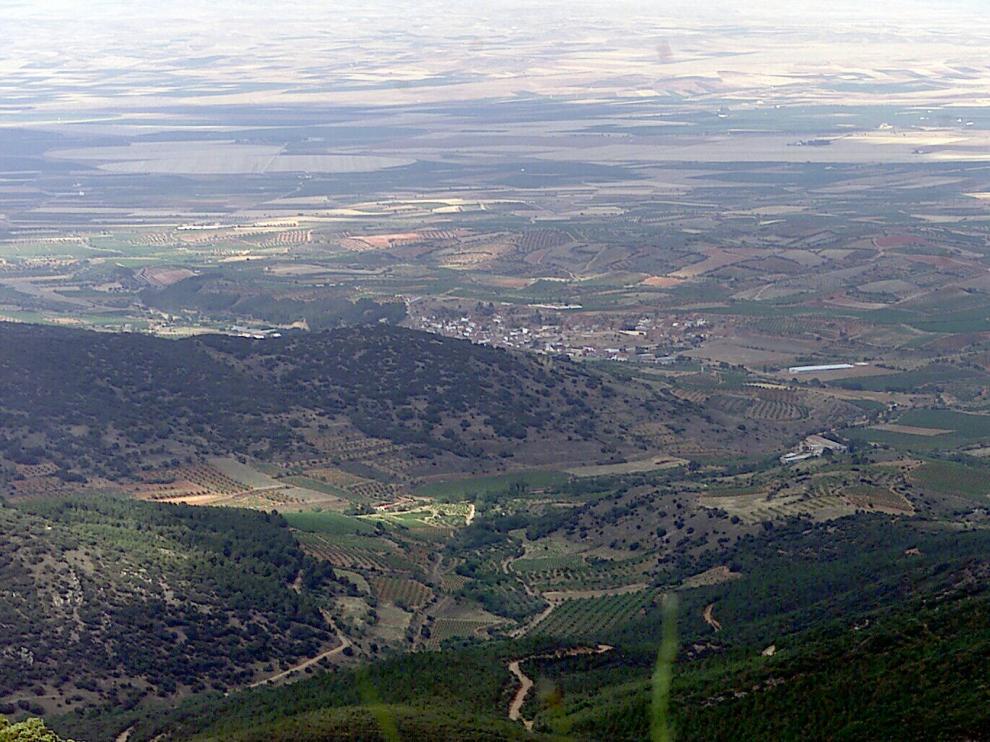 Vistas desde la cumbre del pico Valdemadera, en el término municipal de Cosuenda.